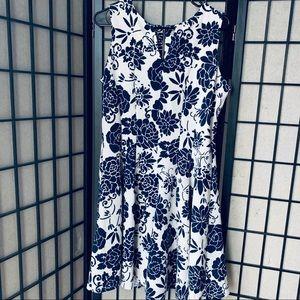 Danny and Nicole blue white floral dress sz 14